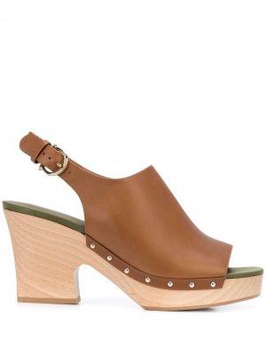 Клоги на каблуке Salvatore Ferragamo. Цвет: коричневый
