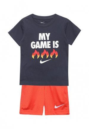 Костюм спортивный Nike. Цвет: разноцветный