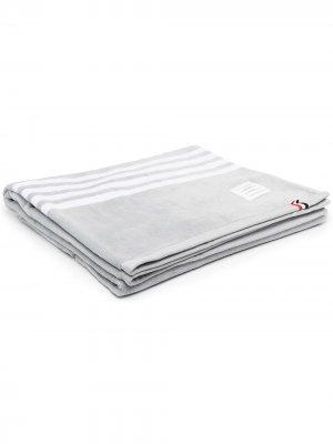 Полотенце с полосками RWB Thom Browne. Цвет: 035 med grey