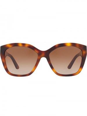 Солнцезащитные очки в квадратной оправе Burberry Eyewear. Цвет: коричневый