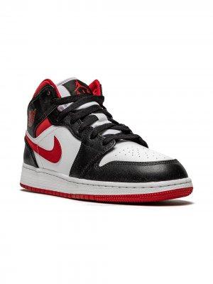 Air Jordan 1 MID (GS) sneakers Kids. Цвет: белый