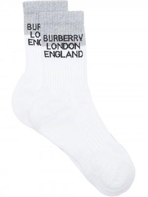 Носки вязки интарсия с логотипом Burberry. Цвет: серый