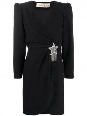 Платье Amanda с брошью Blanca Vita. Цвет: черный