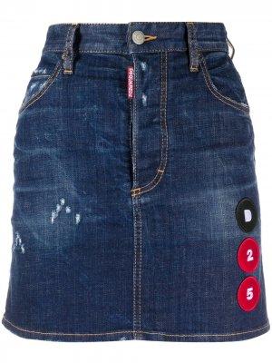 Джинсовая юбка A-силуэта с нашивками Dsquared2. Цвет: синий
