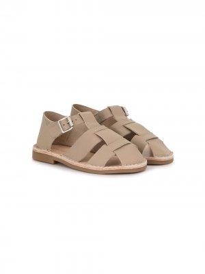 Сандалии с закрытым носком Emporio Armani Kids. Цвет: коричневый