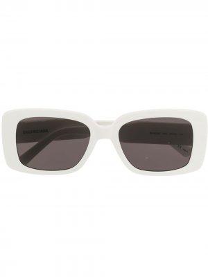 Солнцезащитные очки Mode с логотипом BB Balenciaga Eyewear. Цвет: белый