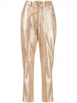 Укороченные брюки с эффектом металлик Forte. Цвет: золотистый
