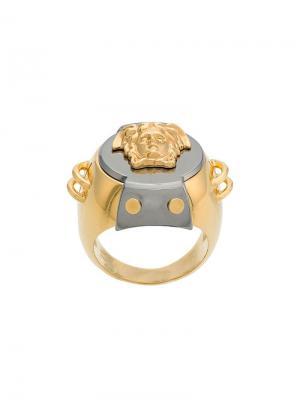 Перстень с головой Медузы Versace. Цвет: металлик