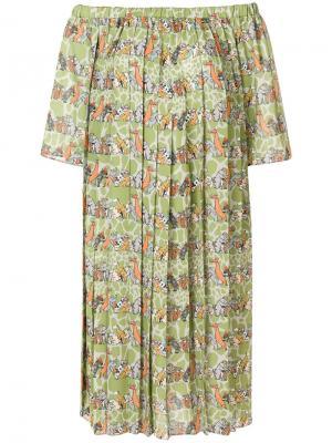Платье с открытыми плечами и звериным принтом Ultràchic. Цвет: зеленый