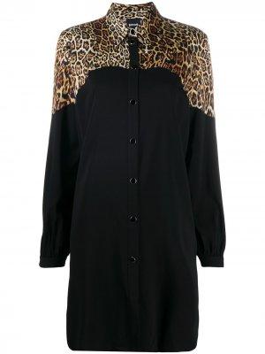 Платье-рубашка с леопардовым принтом Just Cavalli. Цвет: черный