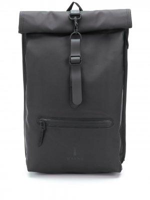 Рюкзак с отворотом Rains. Цвет: черный