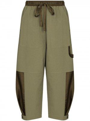 Зауженные брюки Birder Lee Mathews. Цвет: зеленый