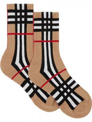 Носки вязки интарсия в клетку Burberry. Цвет: коричневый