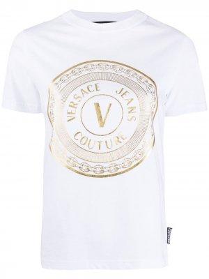 Футболка с металлическим логотипом Versace Jeans Couture. Цвет: белый