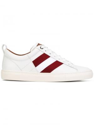 Классические кроссовки на шнуровке Bally. Цвет: белый