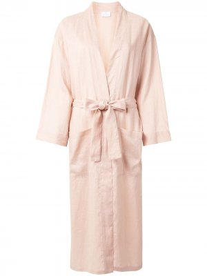 Халат с поясом Pour Les Femmes. Цвет: розовый