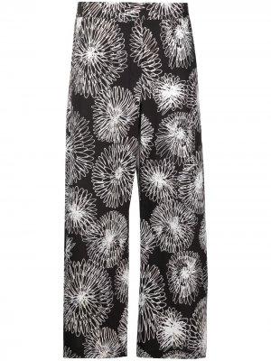 Прямые брюки с цветочным принтом Piazza Sempione. Цвет: черный