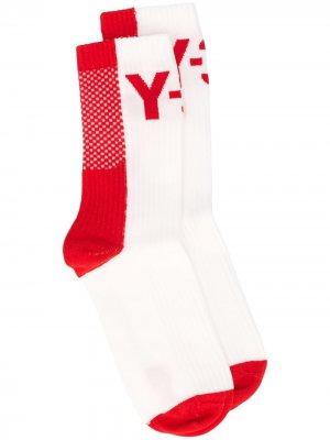 Носки в рубчик с логотипом Y-3. Цвет: белый