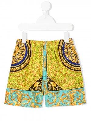 Плавки-шорты с принтом Young Versace. Цвет: золотистый