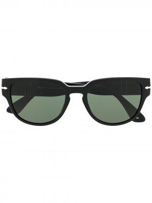 Солнцезащитные очки Polarized в толстой оправе Persol. Цвет: черный