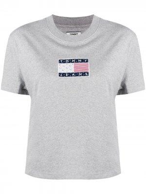 Футболка с короткими рукавами и нашивкой-логотипом Tommy Jeans. Цвет: серый