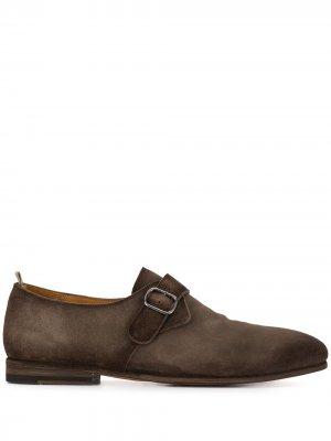 Туфли монки с эффектом потертости Officine Creative. Цвет: коричневый