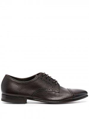 Туфли с брогированием Henderson Baracco. Цвет: коричневый