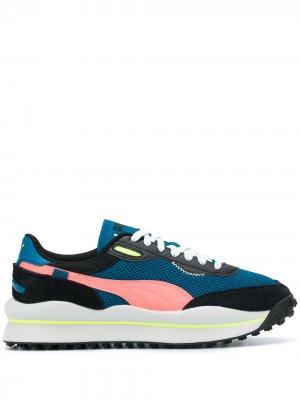 Кроссовки в стиле колор-блок Puma. Цвет: синий