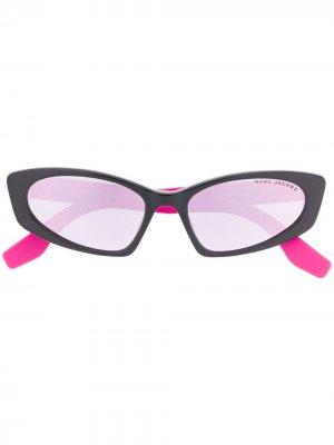 Солнцезащитные очки в массивной оправе Marc Jacobs Eyewear. Цвет: черный