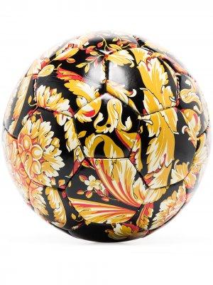 Футбольный мяч с узором Baroque Versace Home. Цвет: черный