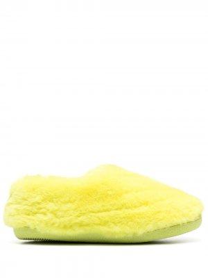Пушистые слиперы Astro Apparis. Цвет: желтый