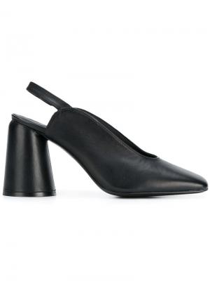 Туфли-лодочки Karme Castañer. Цвет: черный