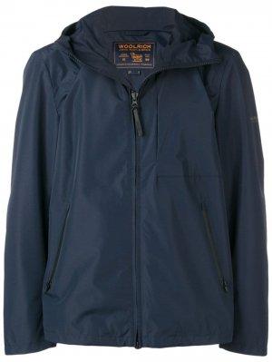 Куртка-дождевик Woolrich. Цвет: синий