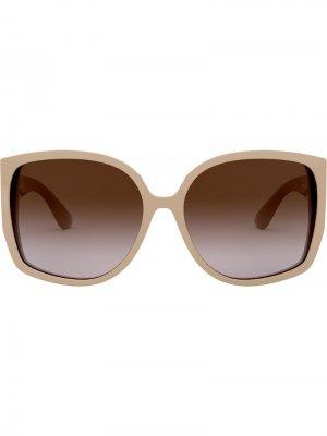 Солнцезащитные очки в массивной оправе Burberry Eyewear. Цвет: коричневый