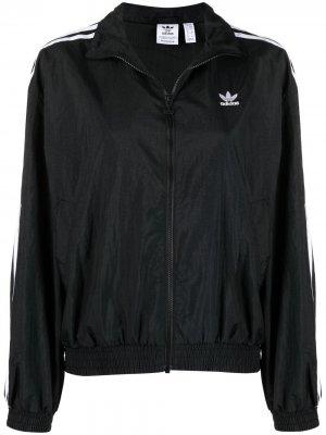 Спортивная куртка с полосками adidas. Цвет: черный