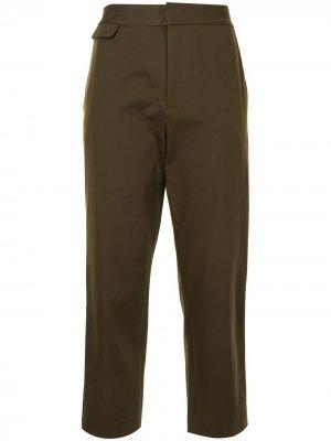 Укороченные брюки Noemi Equipment. Цвет: зеленый