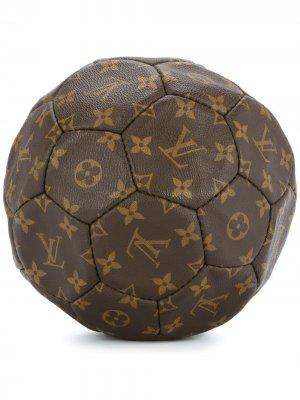 Футбольный мяч с монограммой Louis Vuitton. Цвет: коричневый