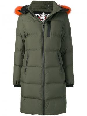 Padded coat Moose Knuckles. Цвет: зеленый