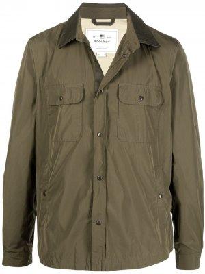 Легкая куртка-рубашка Woolrich. Цвет: зеленый
