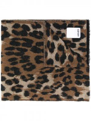 Шарф с леопардовым принтом Kenzo. Цвет: коричневый