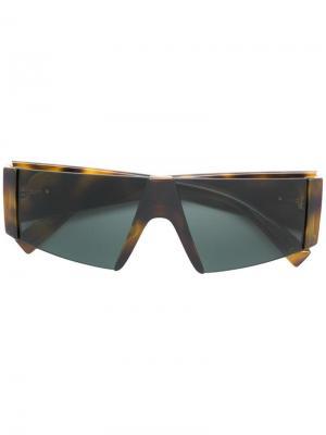 Футуристические солнцезащитные очки Versace Eyewear. Цвет: коричневый