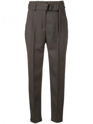 Классические брюки с ремнем Akris Punto. Цвет: зеленый