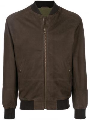 Кожаная куртка-бомбер с нашивками Mr & Mrs Italy. Цвет: коричневый