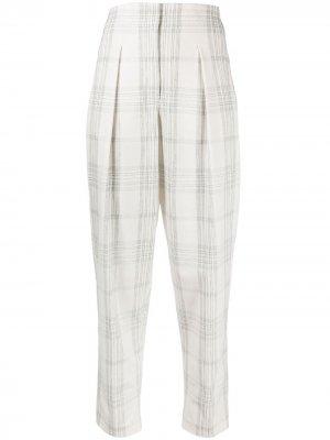 Укороченные зауженные брюки в клетку Circolo 1901. Цвет: белый
