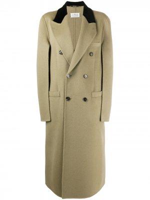 Двубортное пальто длины миди Maison Margiela. Цвет: нейтральные цвета