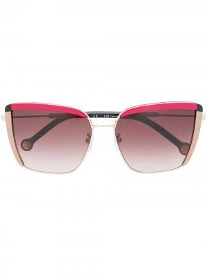 Солнцезащитные очки в массивной оправе с логотипом Ch Carolina Herrera. Цвет: черный