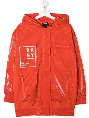 Плащ с логотипом Dkny Kids. Цвет: красный