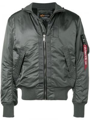 Куртка-бомбер с присборенными рукавами Alpha Industries. Цвет: серый