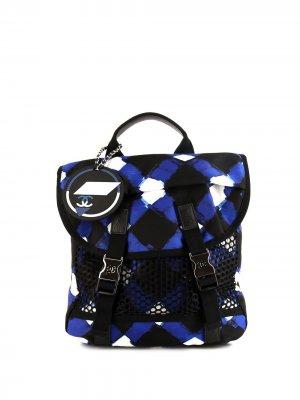 Рюкзак ограниченной серии 2018-го года с логотипом CC Chanel Pre-Owned. Цвет: голубой
