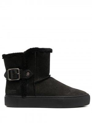 Ботинки по щиколотку UGG. Цвет: черный